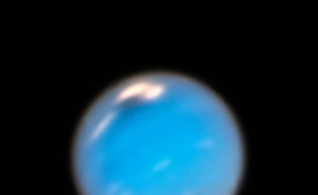 """Тъмното петно в горната лява част на Нептун е """"тъмният вихър"""""""