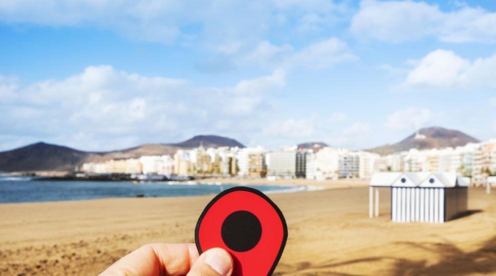 Затвор за рисунки в пясъка по брега на испанския остров Гран Канария?
