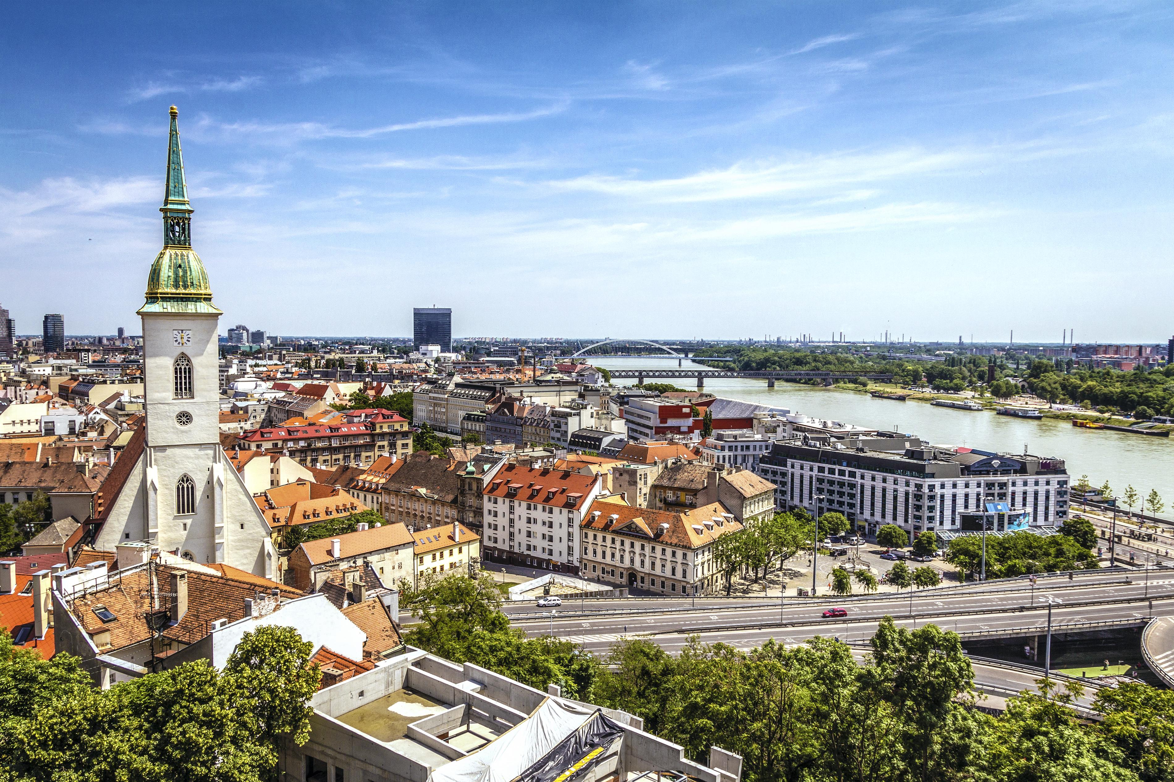 Вторият дунавски град в класацията е словашката столица Братислава.
