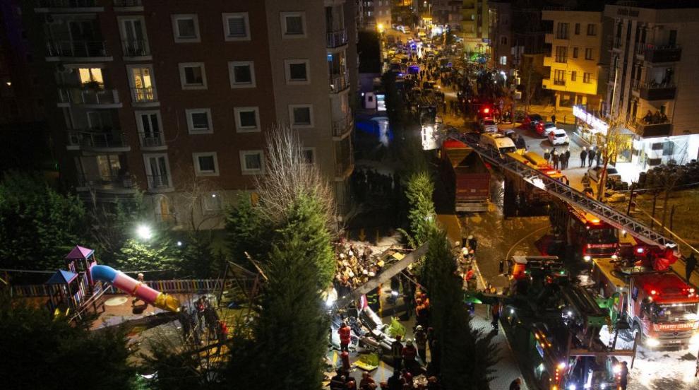 Четирима военни са загинали при катастрофата с хеликоптер в Истанбул