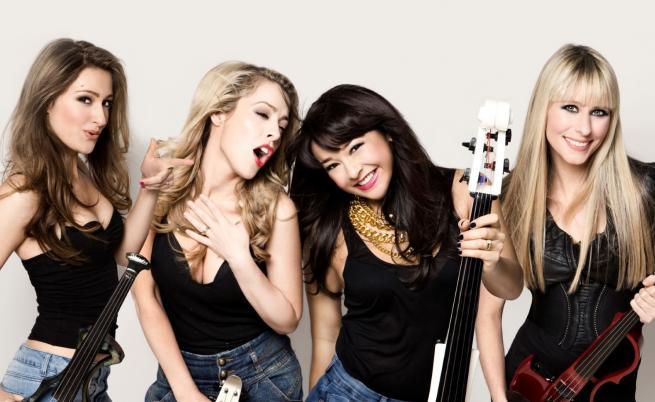 Красавиците от BOND със специално любовно послание за българските си фенове