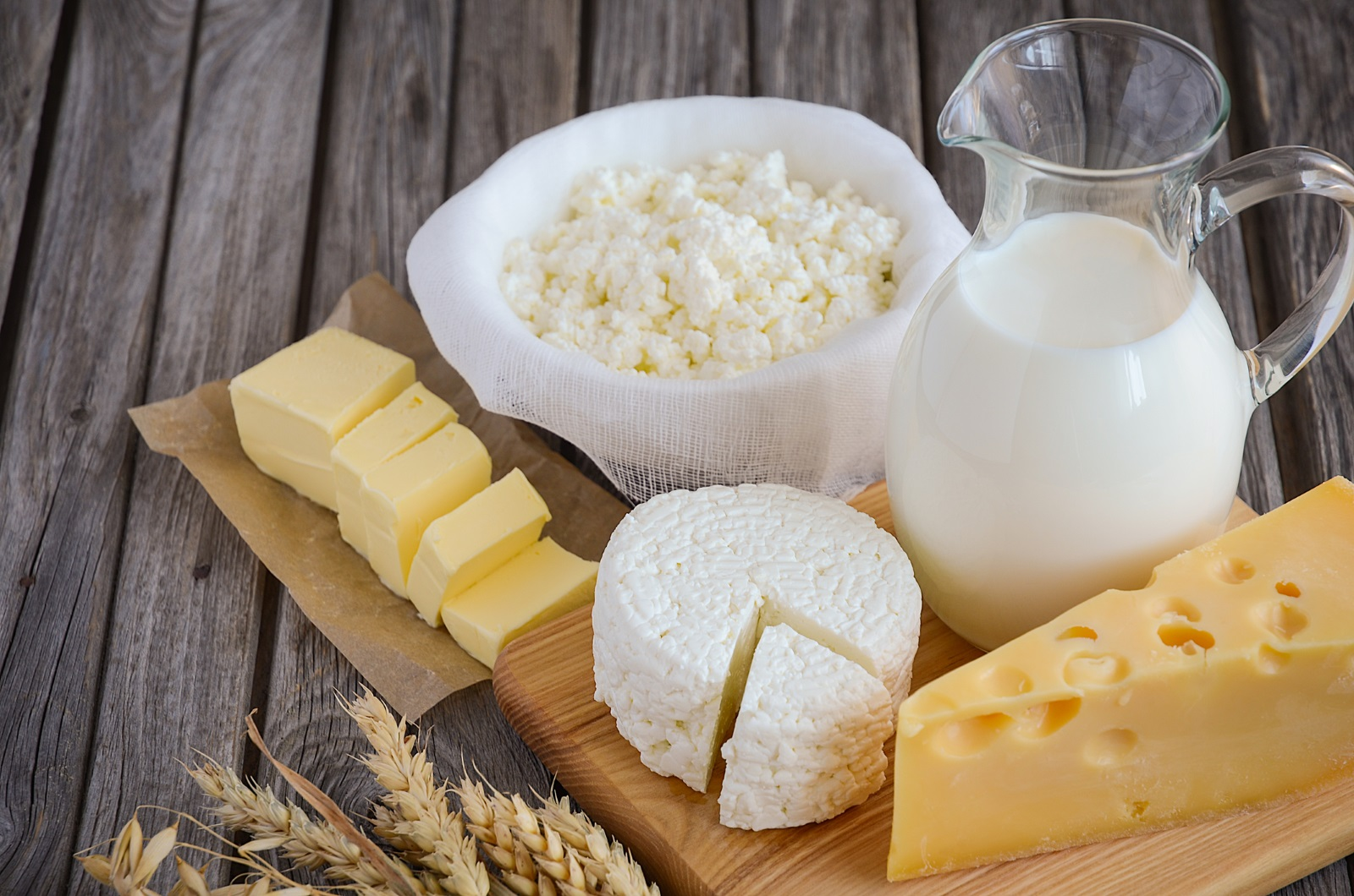 Сирене е още един продукт, който е на-добре да се консумира сутрин, защото в по-малки количества стимулира отслабването. Категорично не се препоръчва вечер. Тогава е труден за усвояване, може да натрупа мазнини и да ви причини стомашни проблеми.