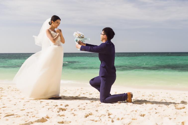 Филипините са известни с масовите сватби на