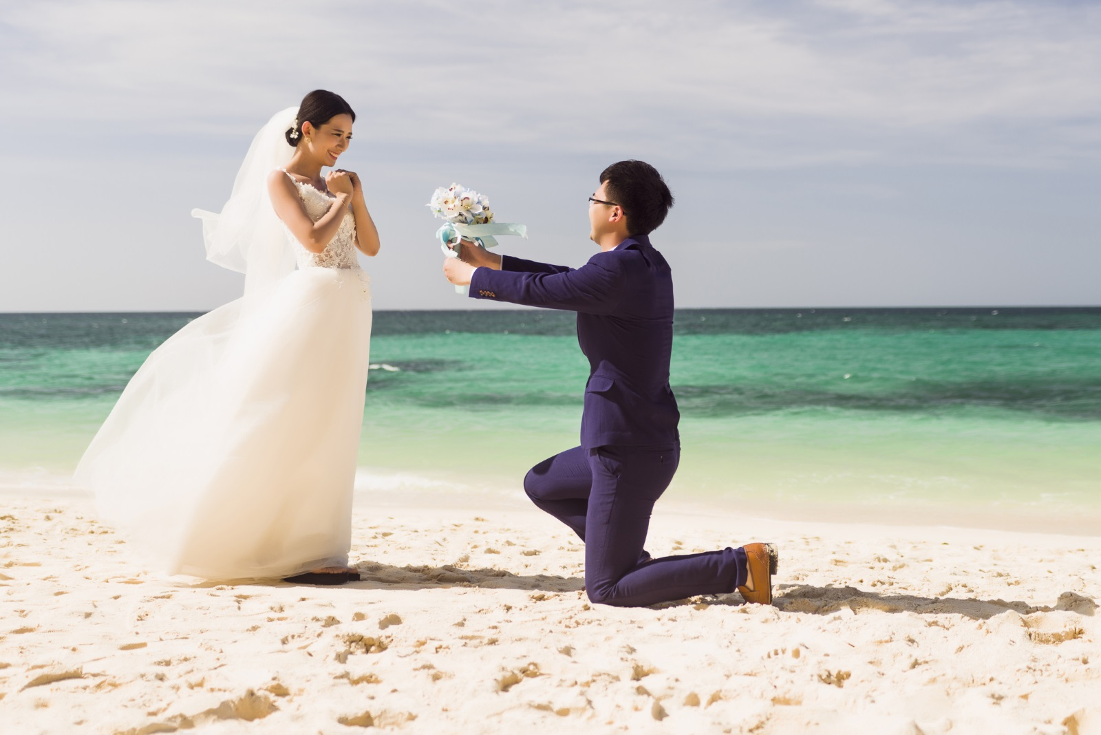 """Филипините са известни с масовите сватби на """"Деня на влюбените"""". Mного пъти тържествата са спонсорирани от самото правителство."""