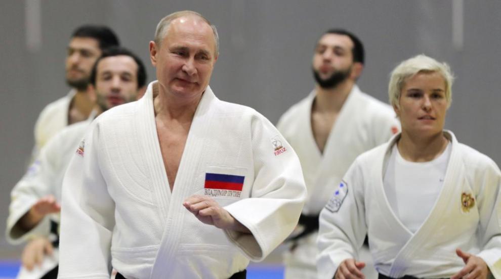 Владимир Путин се контузи на тренировка по джудо (ВИДЕО)