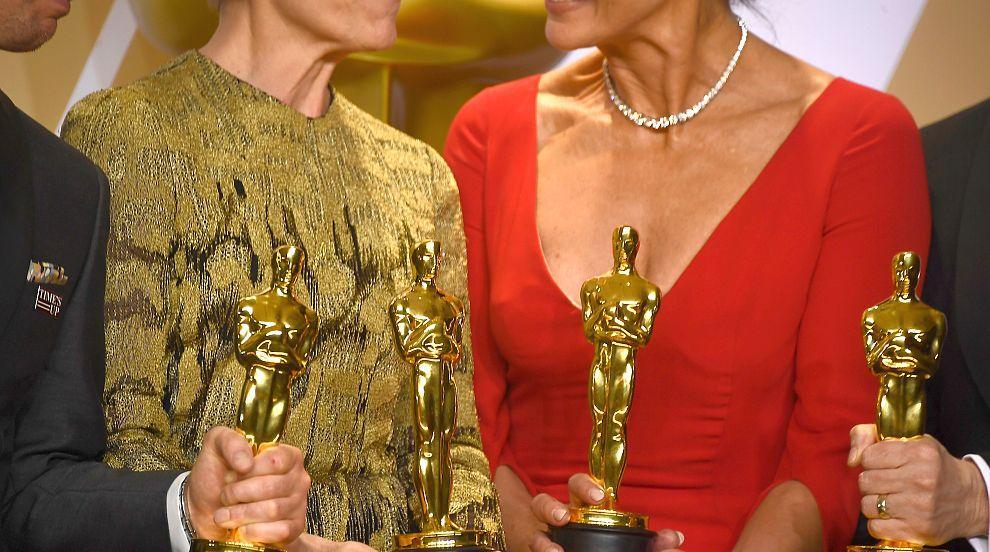 """Холивуд на протест срещу """"унизителното"""" връчване на Оскар в някои..."""