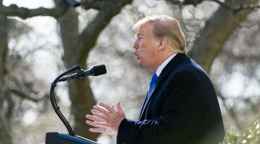 Тръмп обяви извънредно положение заради стената по границата с Мексико