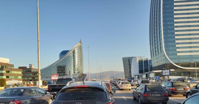"""Снимка: Протест предизвика огромно задръстване на """"Цариградско шосе"""""""