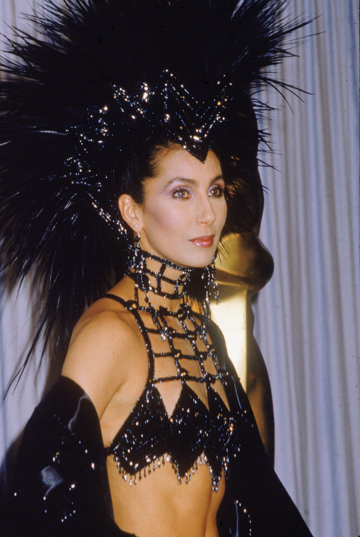 """Шерпрез 1987 г. печели """"Оскар"""" за най-добра женска роля с участието си във филма """"Лунатици""""."""