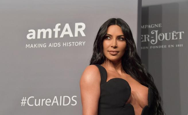 Ким Кардашиян с най-разголената си рокля досега