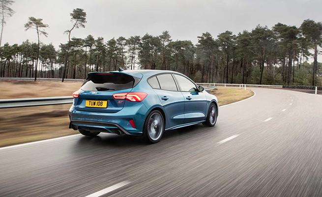Бензиновият Focus ST заема технологията, която е разработена за супер автомобила GT и F-150 Raptor.