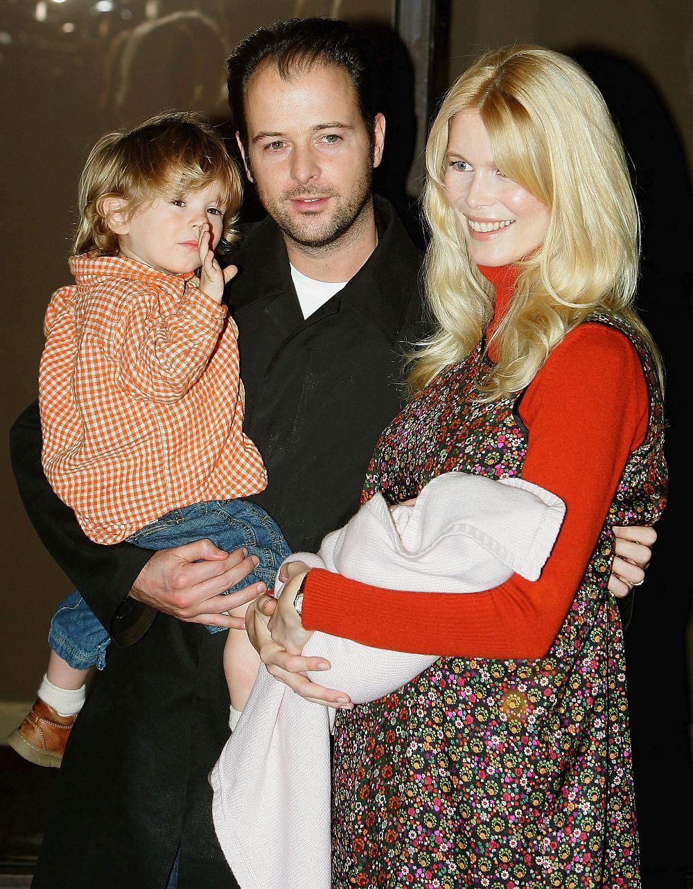 Клаудия Шифър е е щастливо омъжена за кинопродуцента Матю Вон от 2002 година.