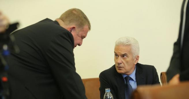 Снимка: Сидеров, Каракачанов и Цветанов: Продължаваме с управленската програма