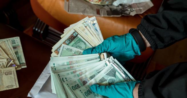 Снимка: ТЕЛК далаверата във Варна: 1,7 милиона лева, открити в банкови касети