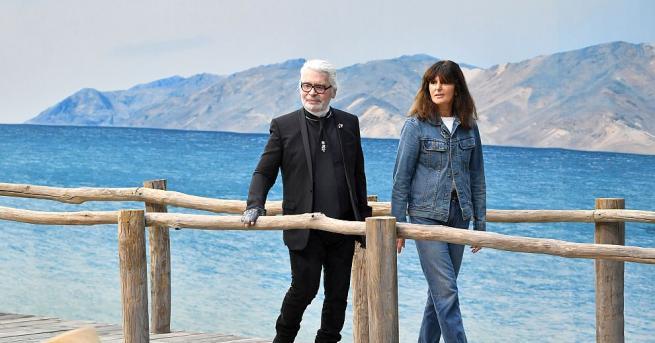 """Снимка: Отиде си """"божеството в модата"""" Карл Лагерфелд, мястото му в Chanel заема Виржини Виар"""