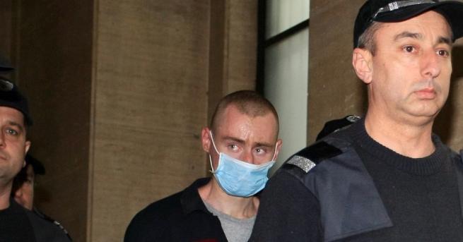 Снимка: Съдът изпрати за лечение обвиненият за четворното убийство в Нови Искър