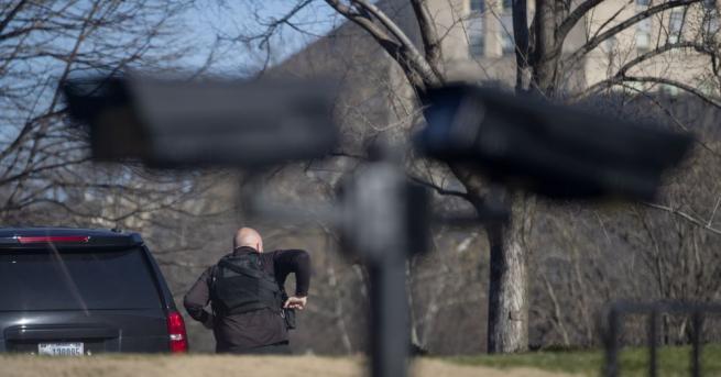 Лейтенант от бреговата охрана на САЩ, подготвял терористично нападение срещу