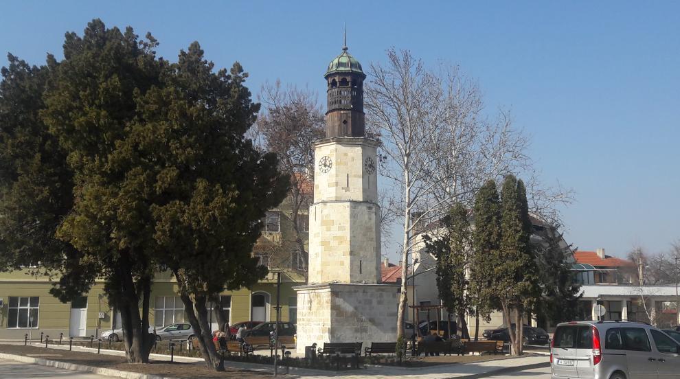 Да върнеш живота на вековна часовникова кула (СНИМКИ)