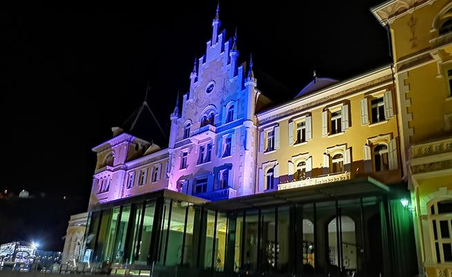 "Grand Hotel Billia. Прекрасен, но супер ""солено"" спа - 35 евро."