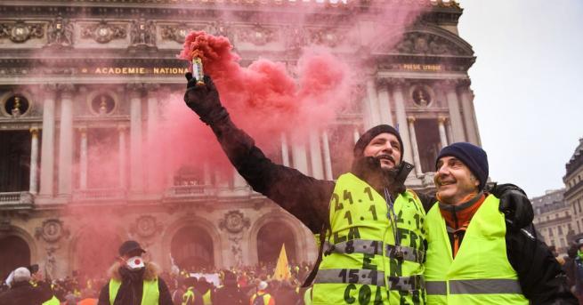 """Снимка: Френските """"жълти жилетки"""" излизат на нов протест"""
