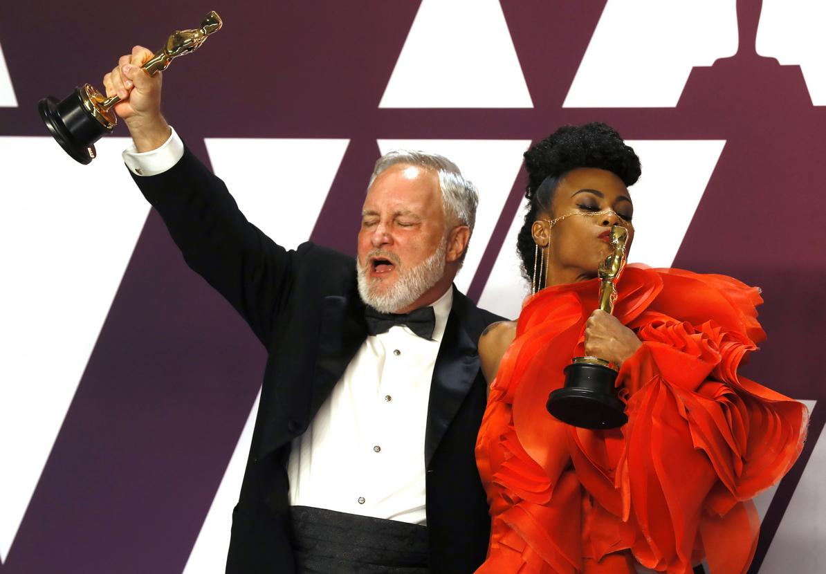 """В категорията за дизайн на продукция, наградата взимат Хана Бичлър и дизайнерът на декорите Джей Харт за """"Черната пантера"""""""