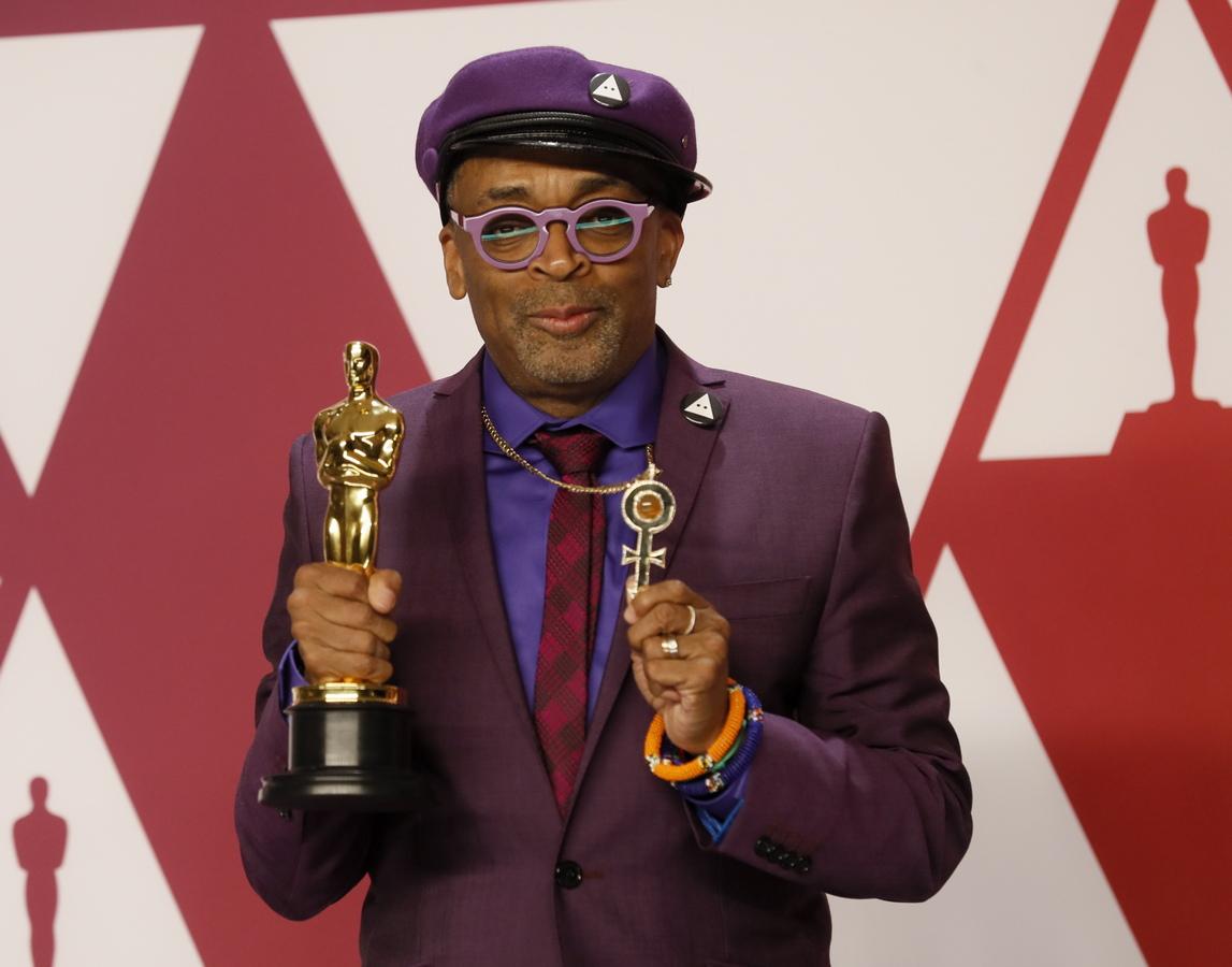 Наградата за най-добър адаптиран сценарий отиде при BlacKkKlansman на Чарли Уахтел, Дейвид Рабиновиц и Спайк Лий
