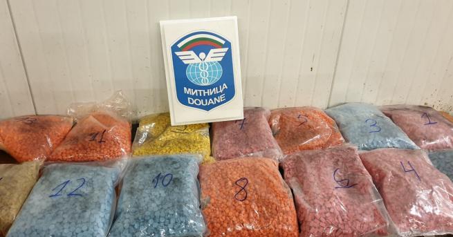Над 35 кг екстази задържаха митническите служители на пункт Капитан