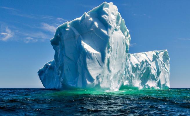 Айсберг, по-голям от Ню Йорк, е на път да се отцепи от ледника Бранд