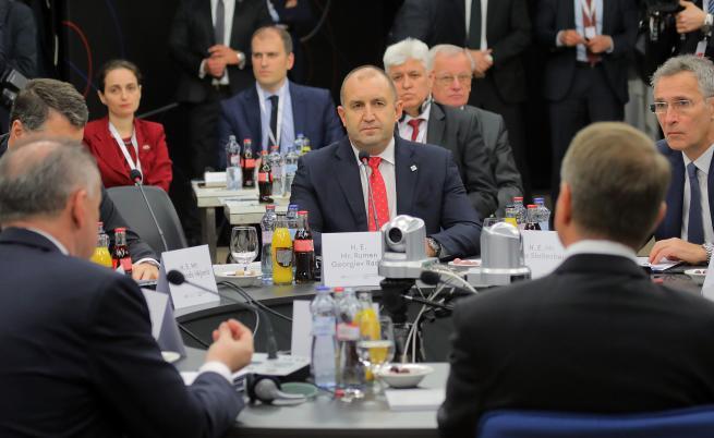 Президентът видя заплаха за енергийните проекти на страната