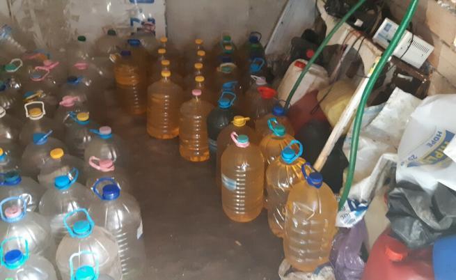Разкриха незаконна бензиностанция в Ловешко