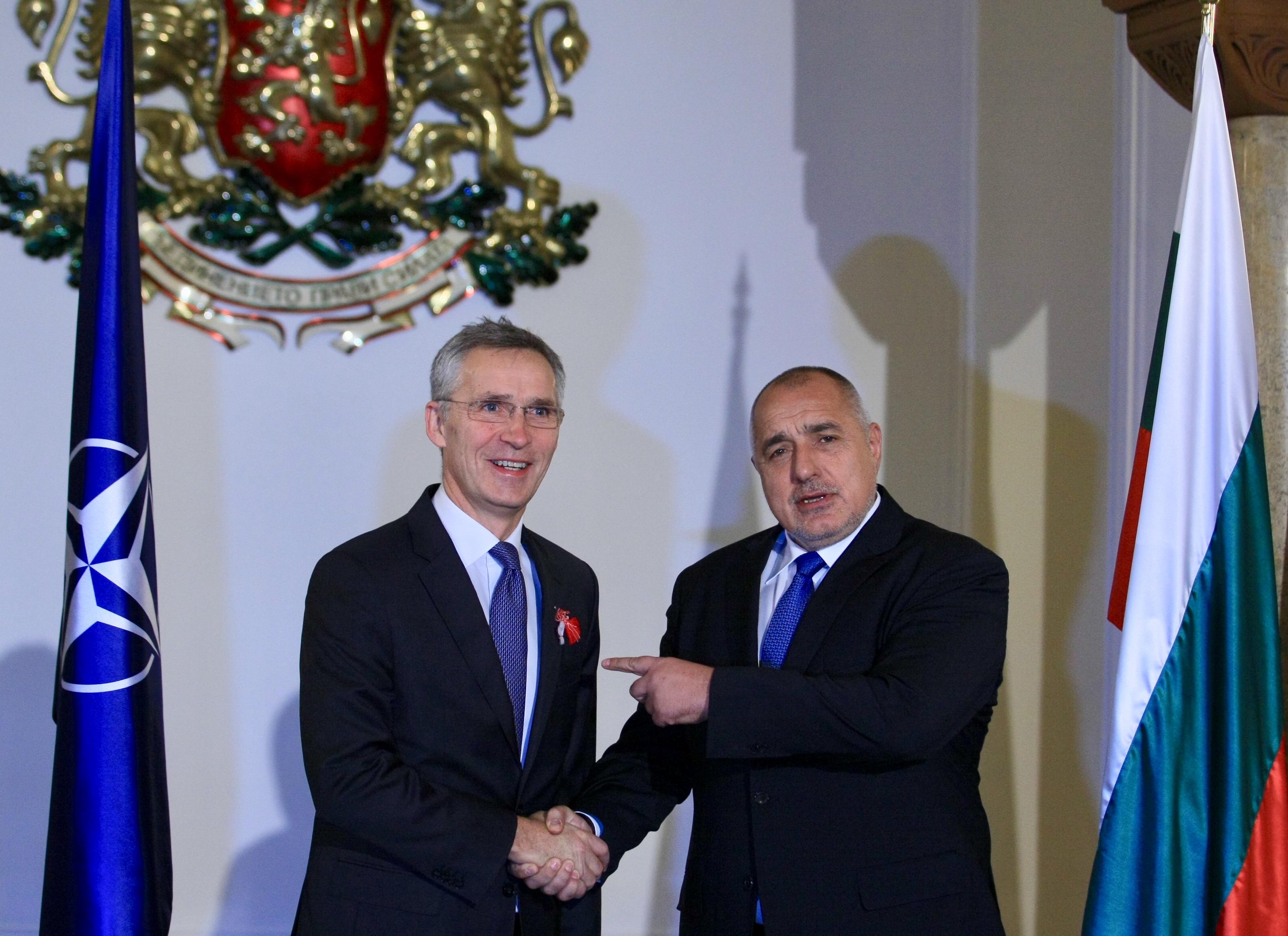 Йенс Столтенберг проведе среща с премиера Бойко Борисов и президента Румен Радев. Столтенберг бе на двудневно посещение в България по покана на българския министър-председател