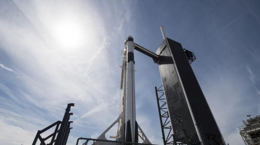 """""""Спейс Екс"""" изстреля първите 60 сателита за космически интернет (СНИМКИ)"""