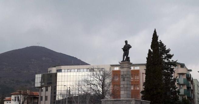 Центърът на Сливен бе отцепен за един час от полицията