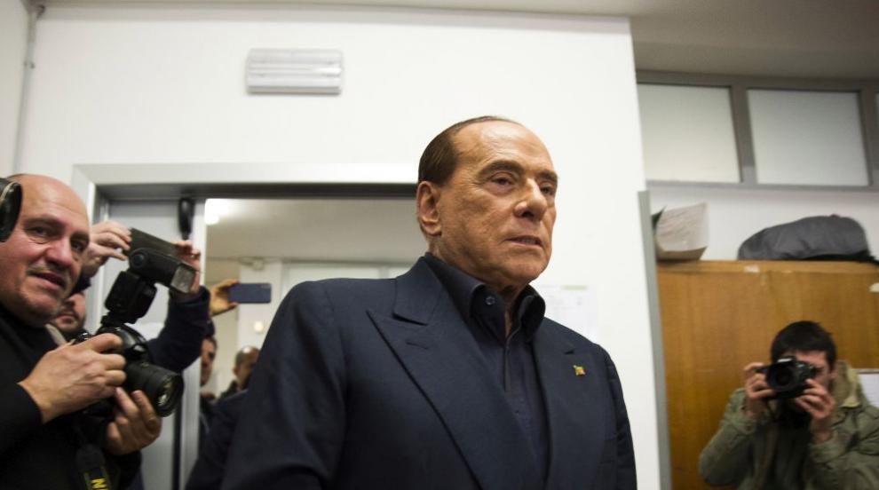 Берлускони е в болница след операция на херния