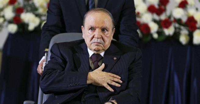 Президентът на Алжир Абделазиз Бутефлика, срещу когото от две седмици