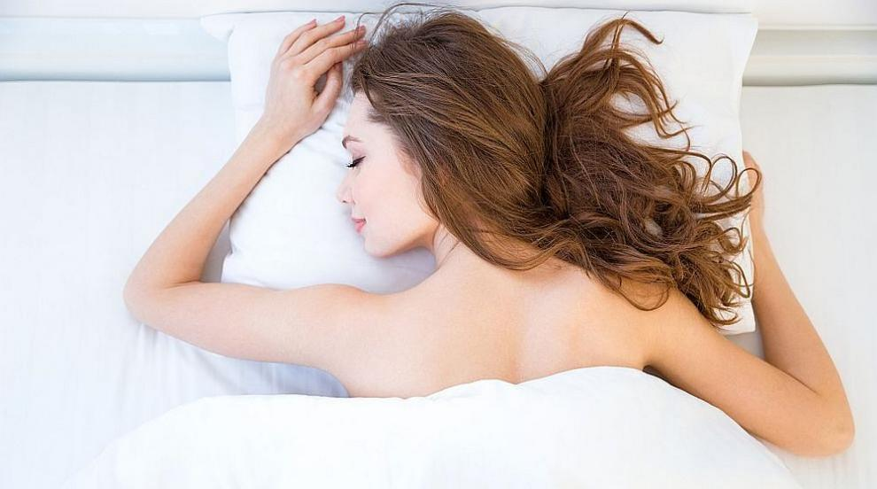 Седем хранителни комбинации, които могат да подобрят съня ни (ВИДЕО)