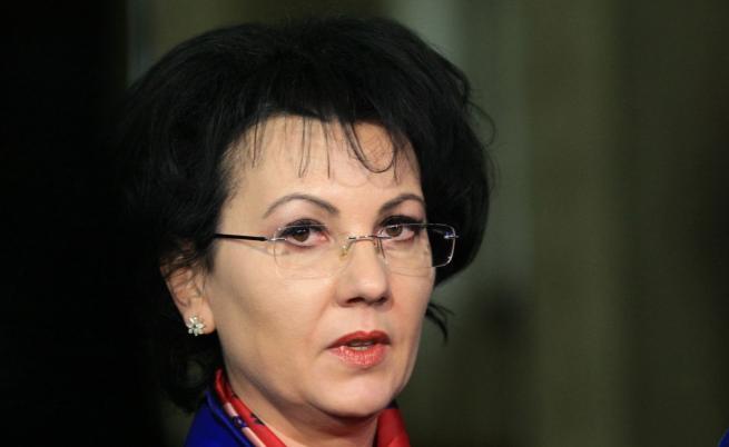 17 молби за напускане без дата в Община Стрелча