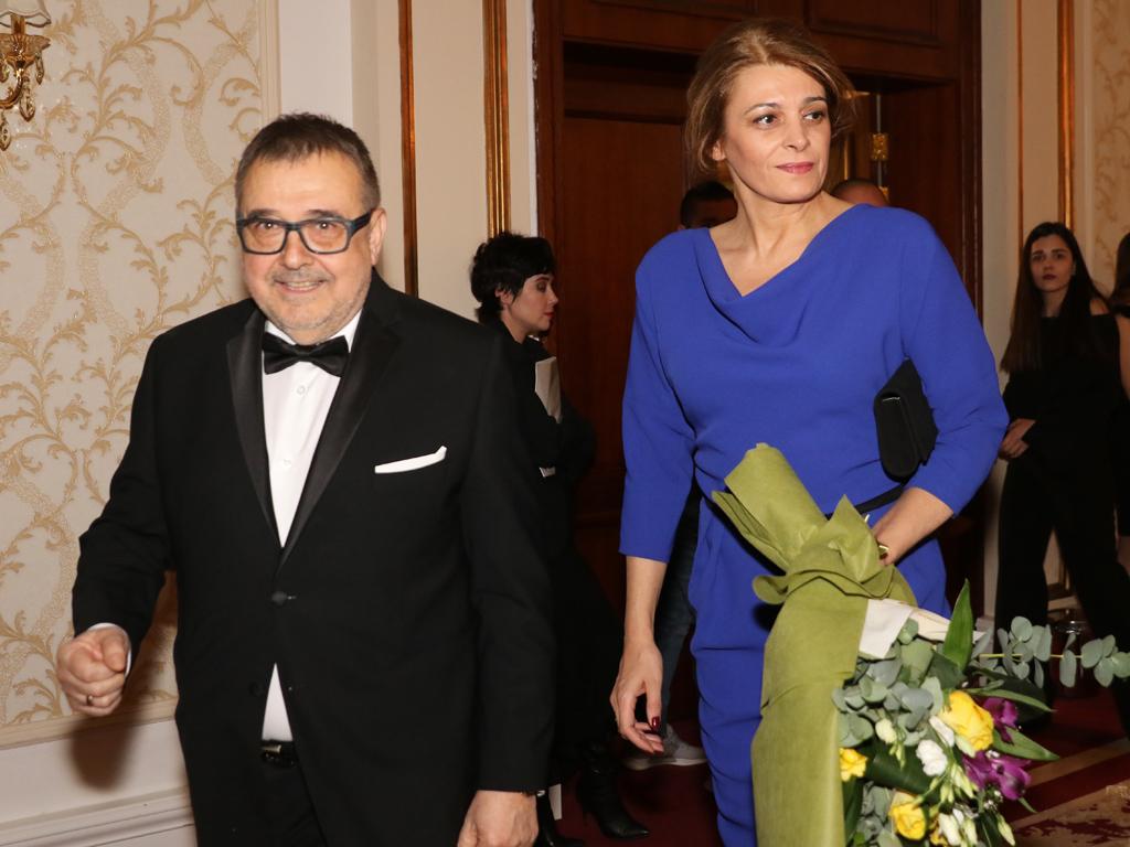 """Съпругата на президента Румен Радев Десислава събра всички погледи на 25-ата церемония по връчване на наградите """"Златна игла""""."""