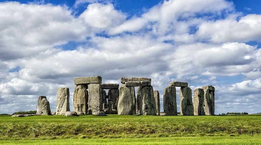 Археолози откриха следи от древни пиршества край Стоунхендж