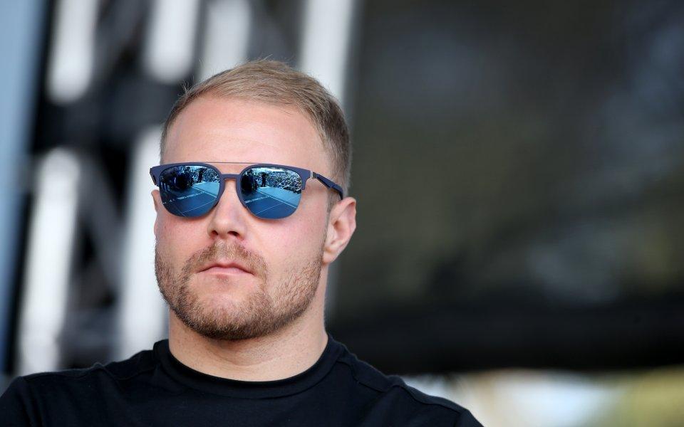 Мерцедес отвърна на удара от Ферари във втората тренировка