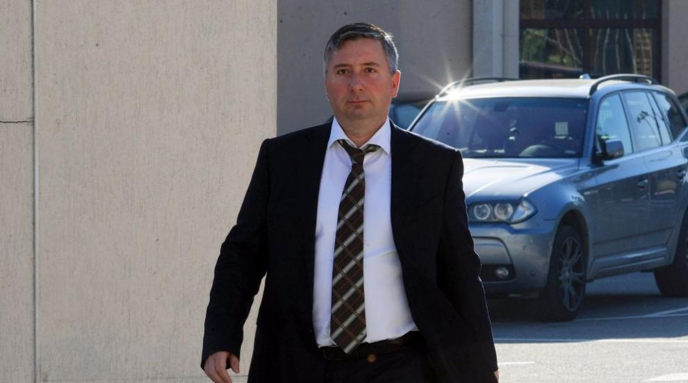 Цацаров поиска запор на цялото имущество на Прокопиев