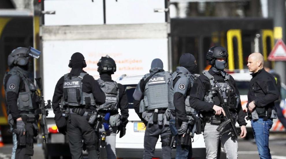 Един убит и няколко ранени при стрелба в холандски град (СНИМКИ)