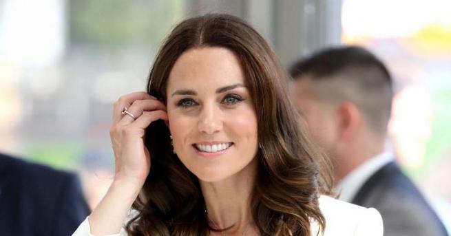 37-годишната Кейт Мидълтън, херцогинята на Кеймбридж, успява да запази зашеметяваща