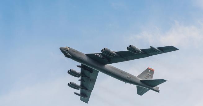 Американски стратегически бомбардировач беше засечен до границата на руската Ленинградска