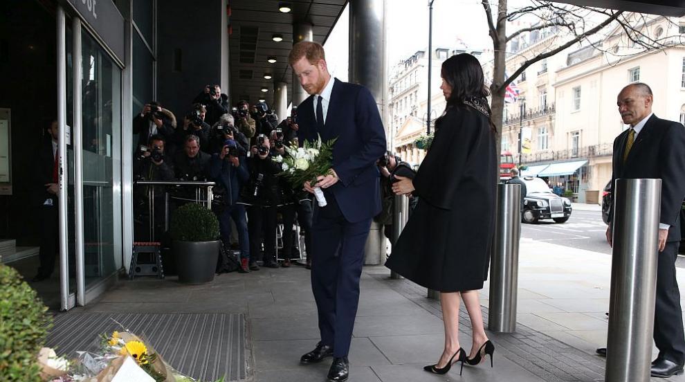 Херцозите на Съсекс отдадоха почит на жертвите на атаката в Крайстчърч...