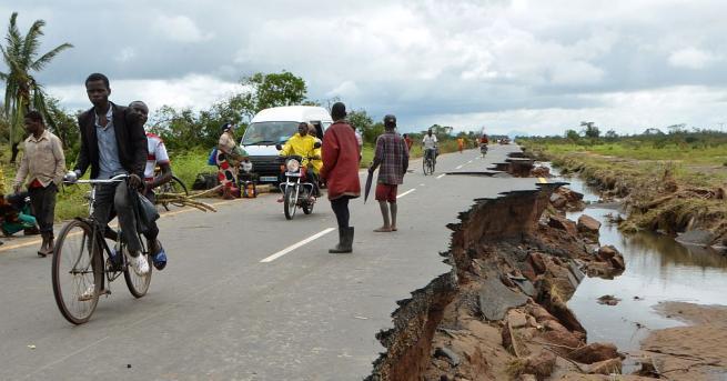 Циклонът Идай, който помете миналата седмица Мозамбик, е отнел живота