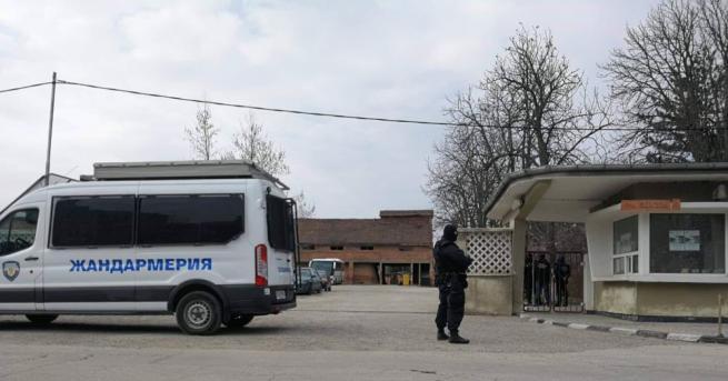 Специализираната прокуратура разследва кмета на Червен бряг Данаил Вълов. Оперативно-издирвателните