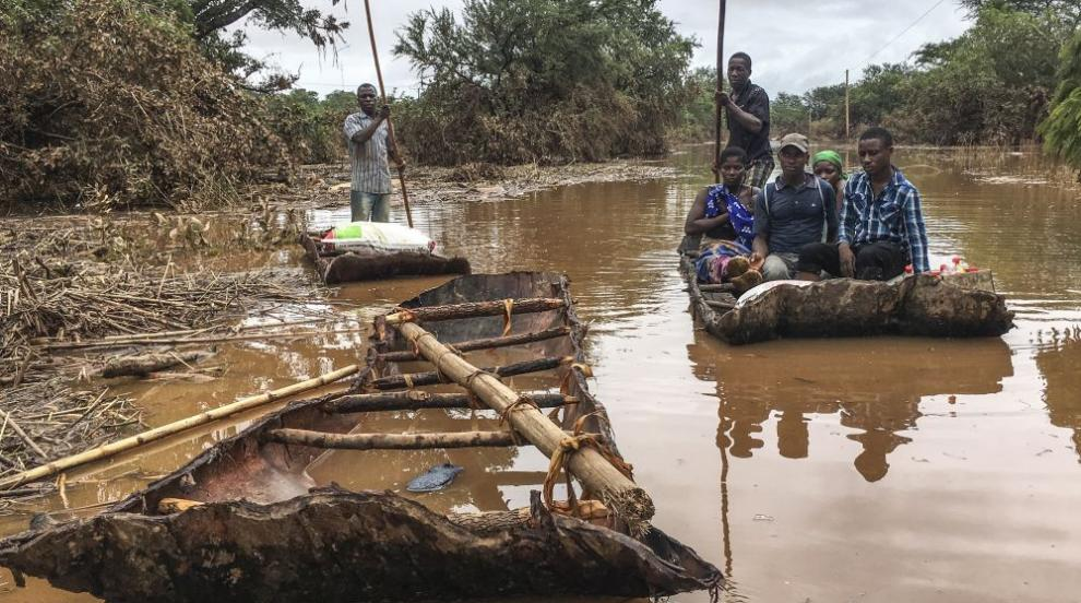 """""""Чудовището Идай"""": Опустошителното бедствие в Южна Африка (ВИДЕО/СНИМКИ)"""
