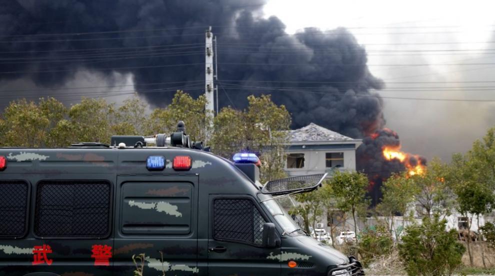 62 души достигна броят на жертвите след експлозията в китайския химически...