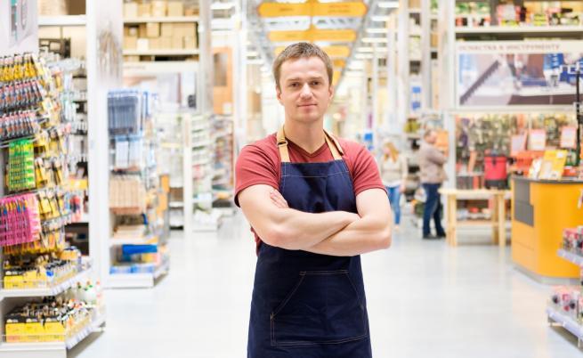 Висшисти стават продавачи, какви професии се търсят у нас
